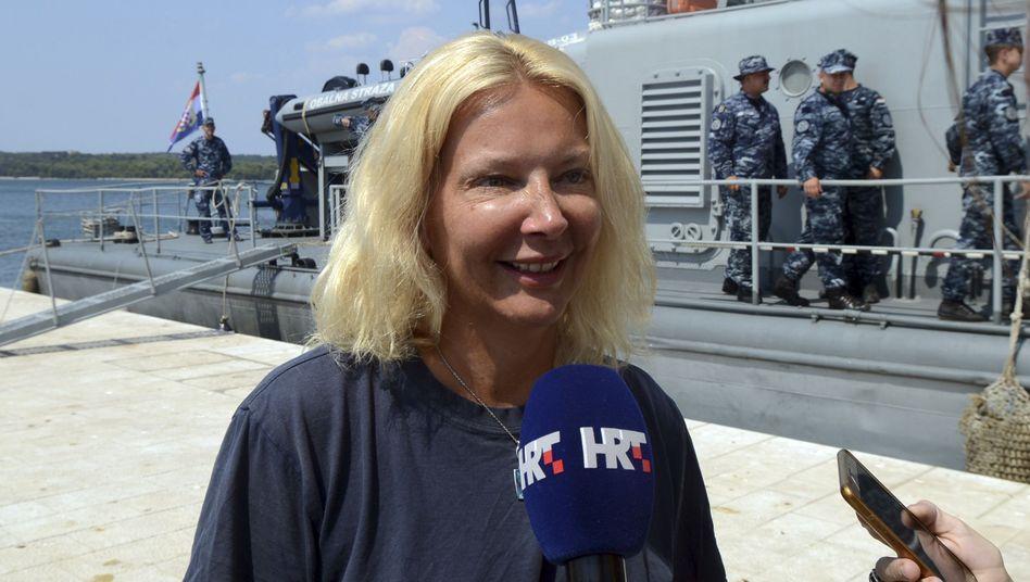 Britische Kreuzfahrtpassagierin nach ihrer Rettung
