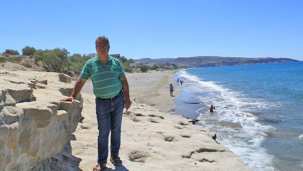 Photo Gallery: A Cretan Bay's Struggle for Survival