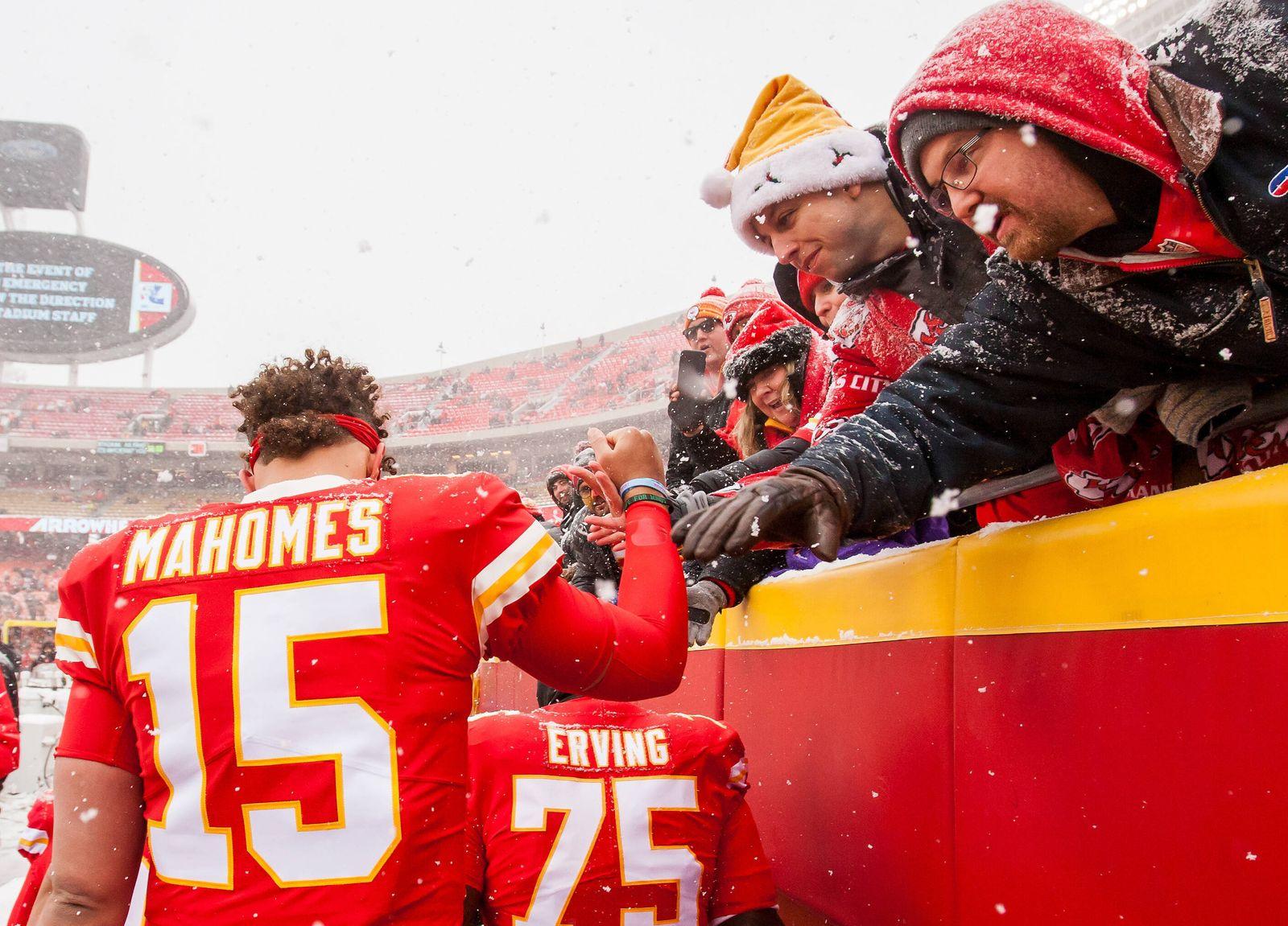 December 15, 2019, Kansas City, MO, USA: KANSAS Kansas City, MO - DECEMBER 15: Kansas City Chiefs quarterback Patrick M