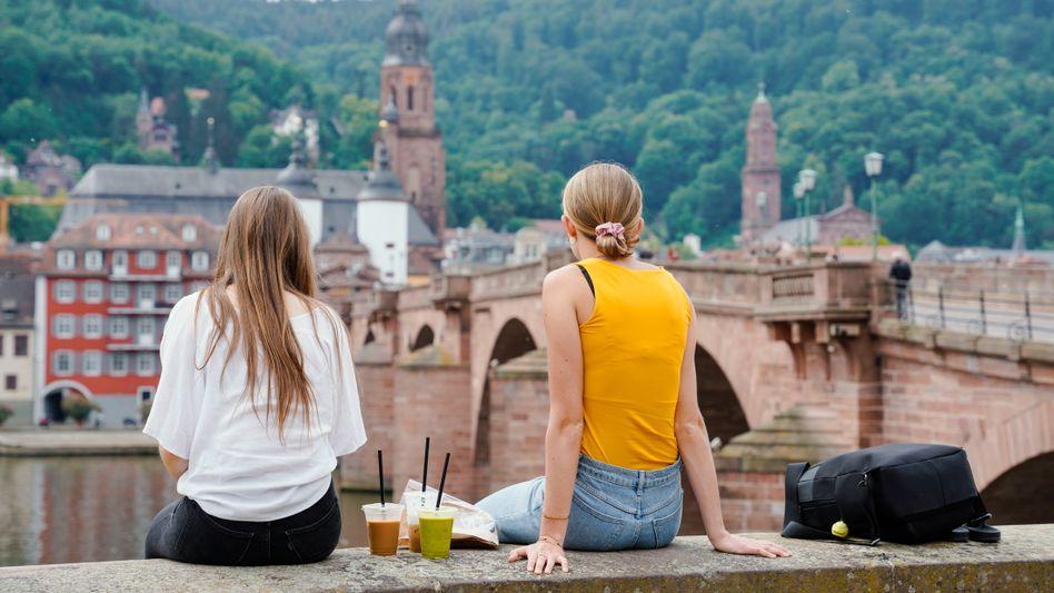 Junge Frauen (in Heidelberg): Am wichtigsten sind den Jungwählerinnen und -wählern Klimaschutz und Bildung (Symbolfoto)