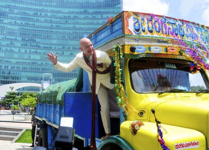 Bezos in Bangalore: Jeder verdiente Euro wird investiert