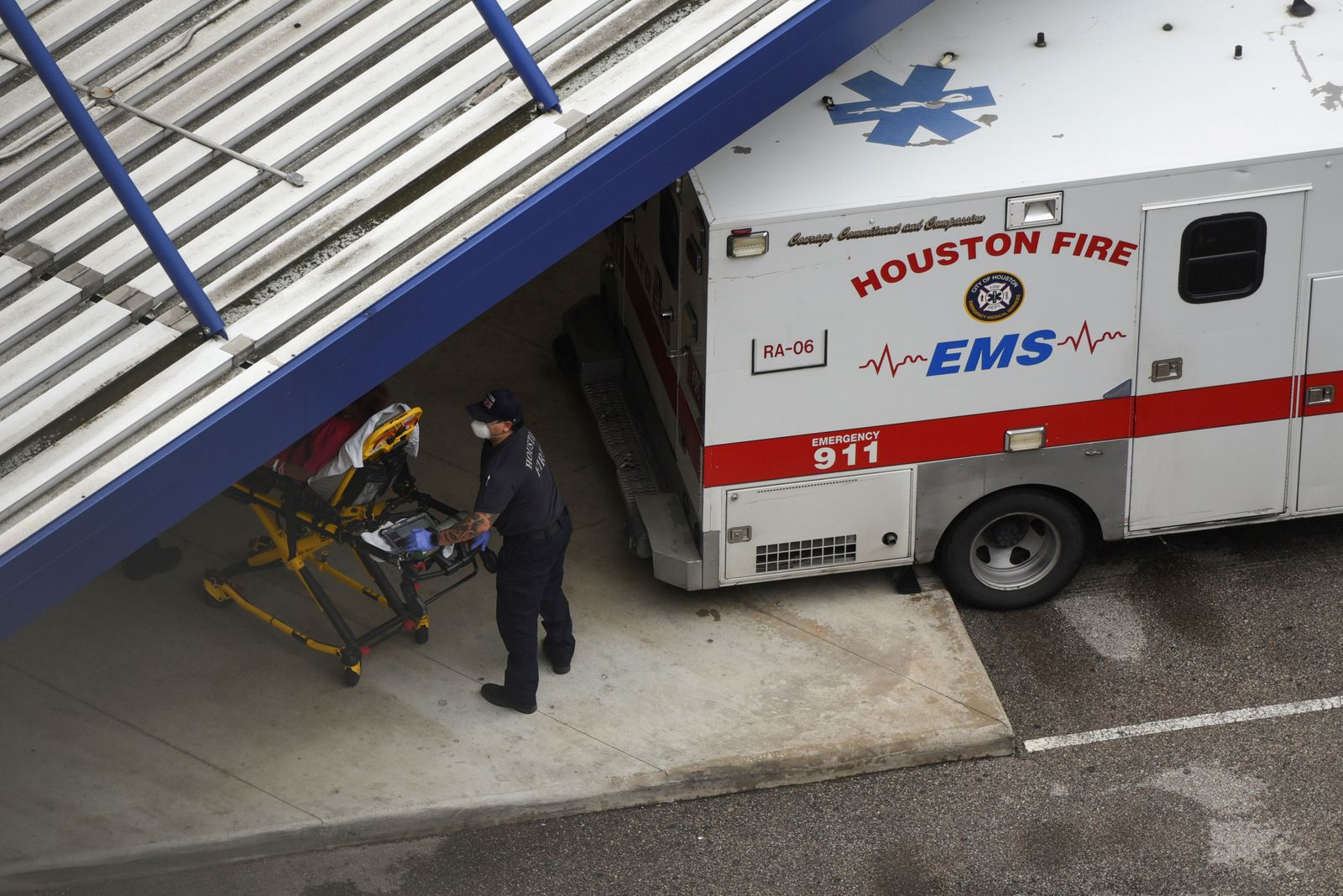FILE PHOTO: Texas faces rising coronavirus cases