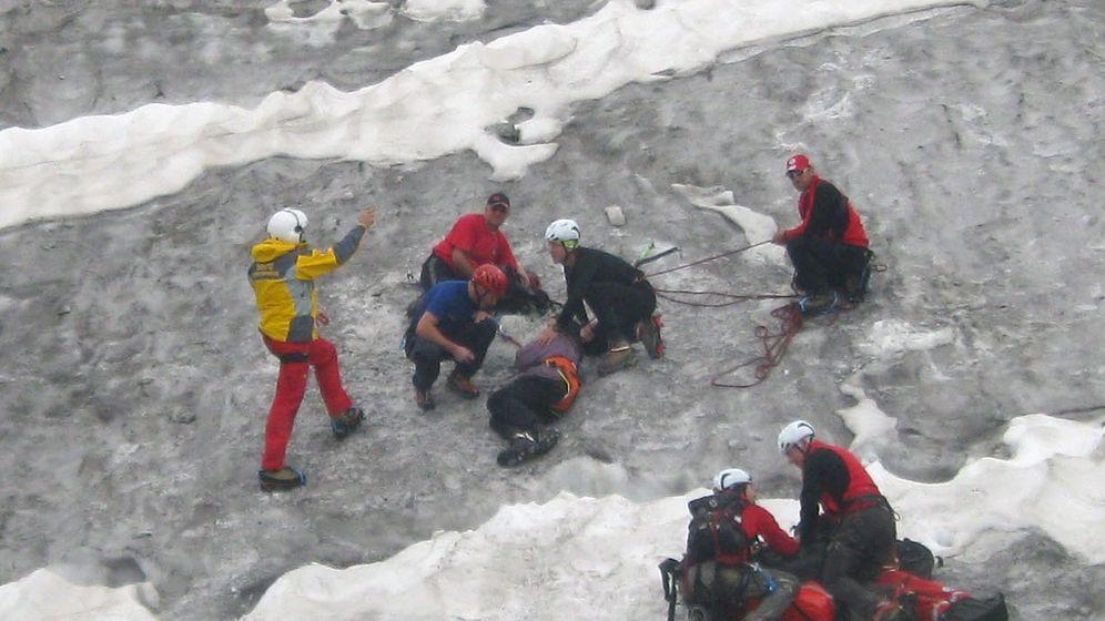 Unfall in den Alpen: 70-Jähriger überlebt sechs Tage in Gletscherspalte
