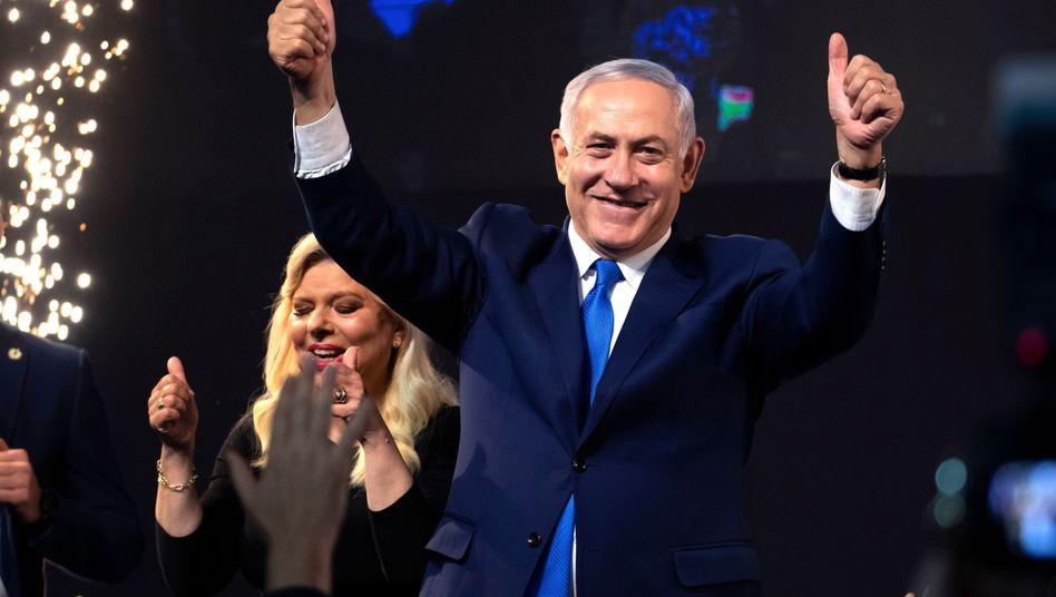 Benjamin Netanyahu freut sich über den Wahlsieg