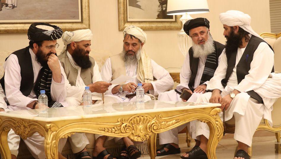 Taliban und Afghanen aus Politik und Zivilgesellschaft reden über Frieden