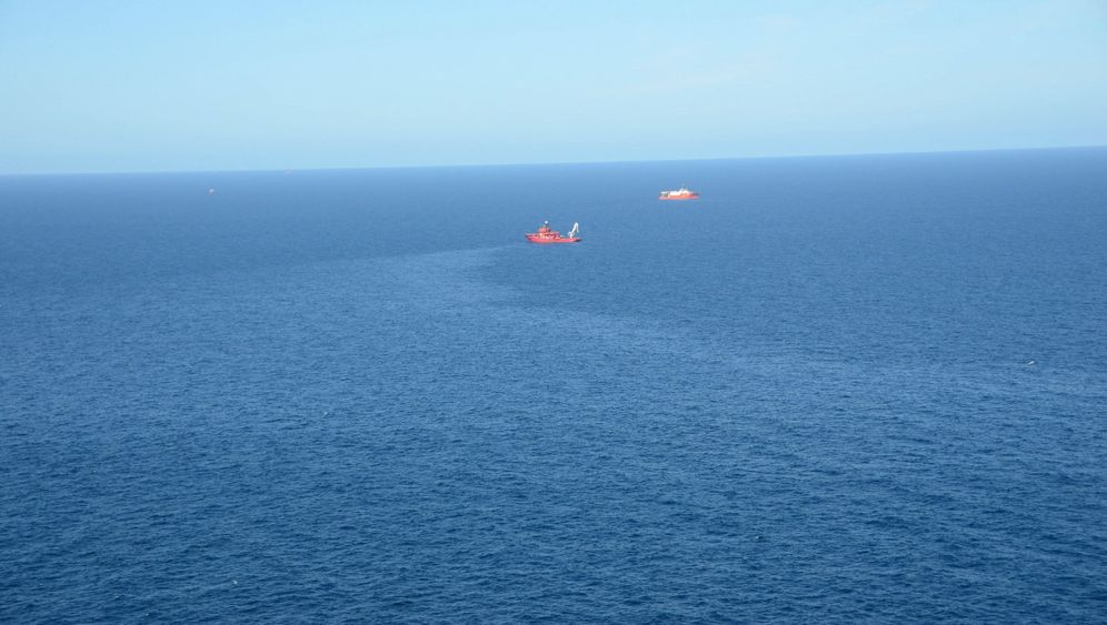 Photo Gallery: Oil Leak in the North Sea