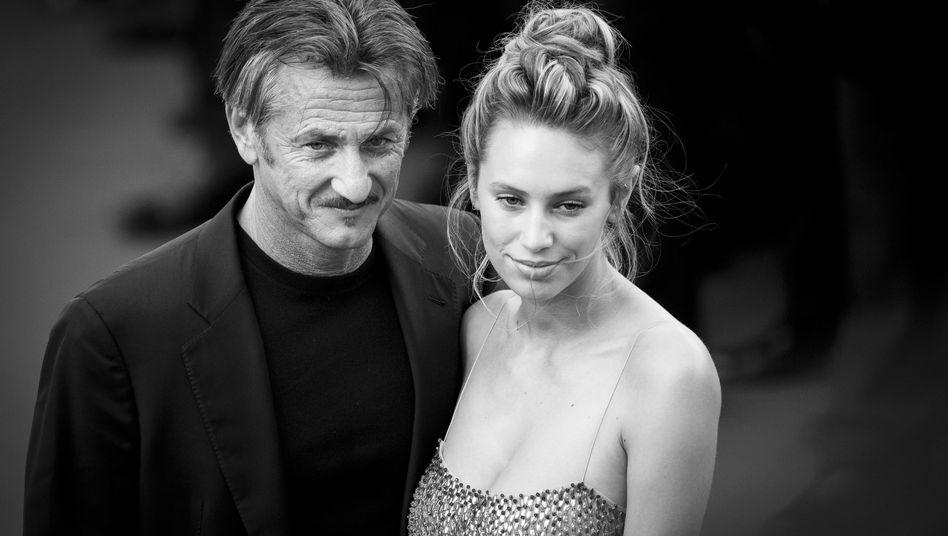 "Sean Penn mit Tochter Dylan Penn bei der ""Last Face""-Premiere in Cannes"