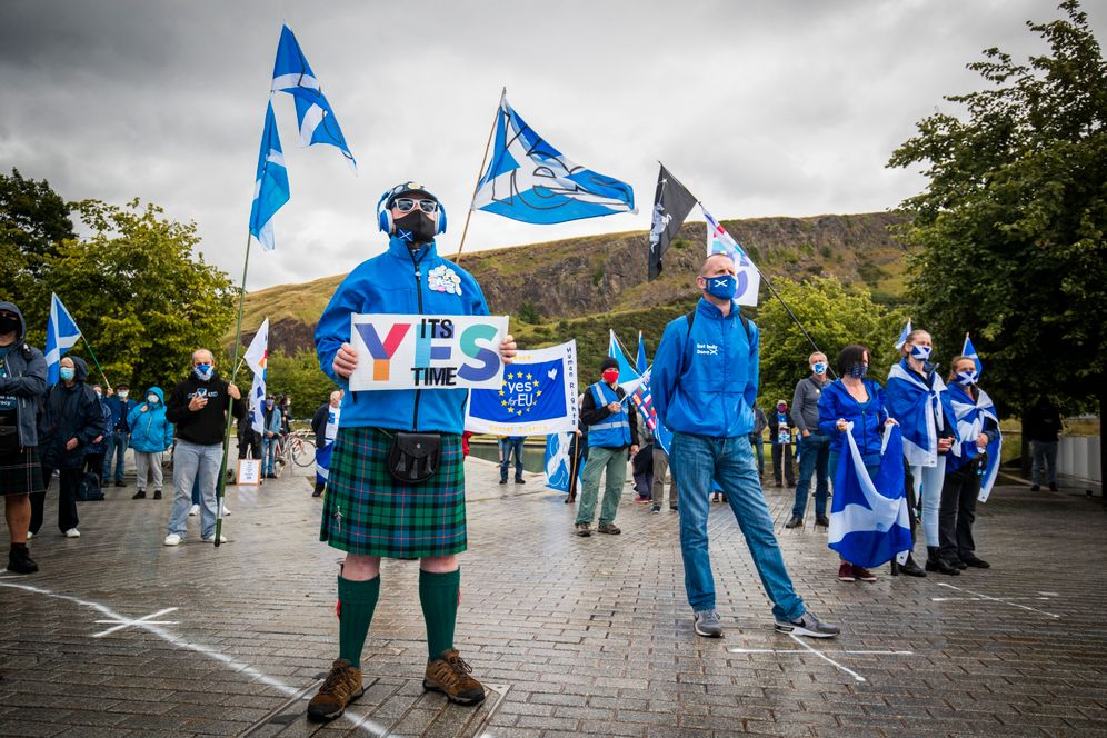 """Supporters of Scottish independence in Edinburgh: """"There will be a second referendum"""""""
