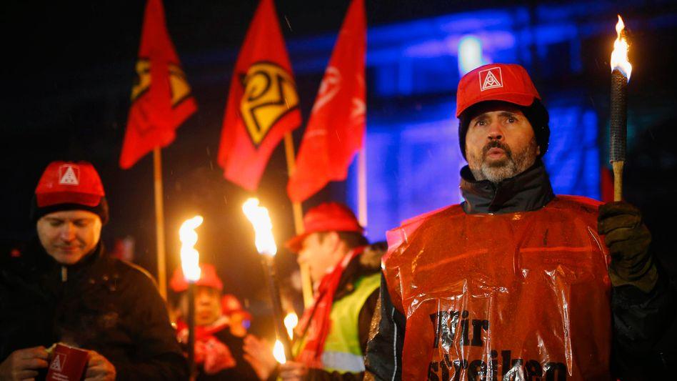 Streik in Neckarsulm: Bundesweit sind Tausende dem Aufruf der IG Metall gefolgt