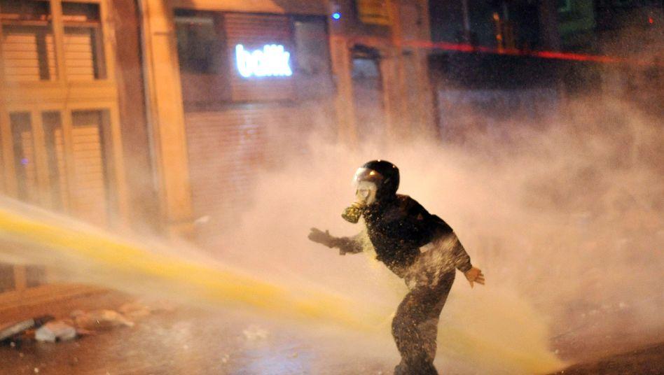 Proteste in der Türkei: Erdogan setzt auf Härte