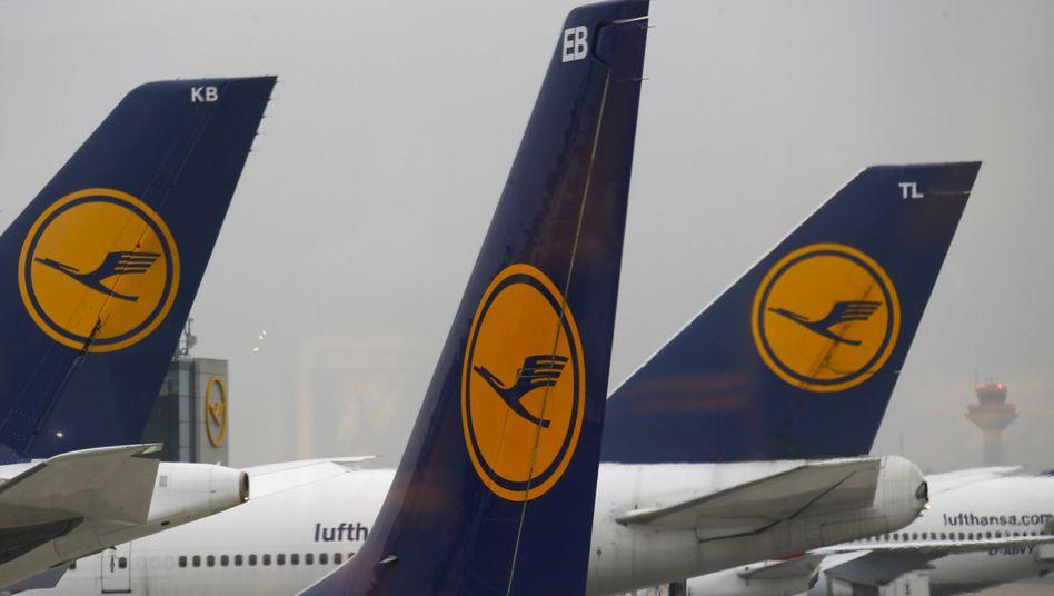 Lufthansa-Maschinen in Frankfurt: Tagelang Ärger für Passagiere durch Streiks
