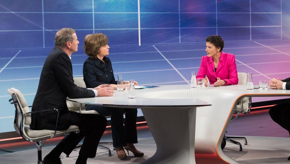 Maybrit Illner und ihre Gäste: »Rechts, links, quer – wer profitiert von Angst und Spaltung?«