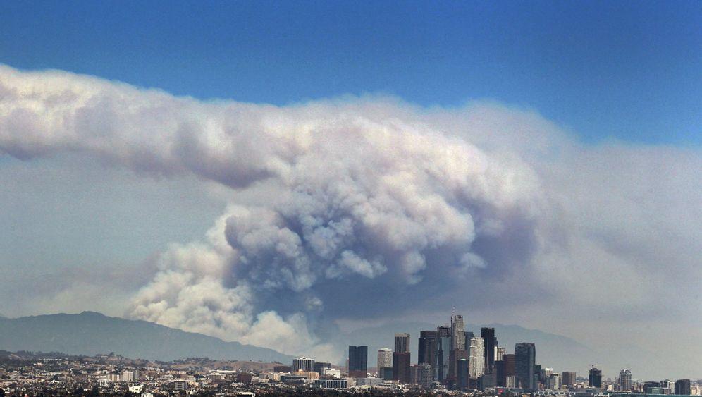 Waldbrände in Kalifornien: Feuer vor den Toren von Los Angeles