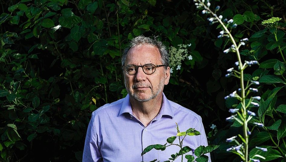 """Medical researcher Peter Piot: """"When I came home from the hospital, I cried."""""""