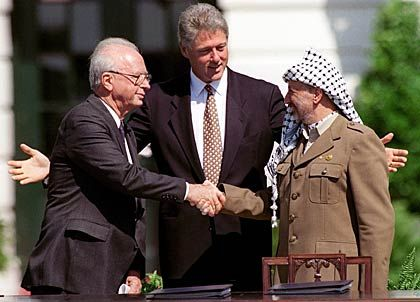 Friedenspartner Rabin, Clinton, Arafat (1993): Kredit verspielt