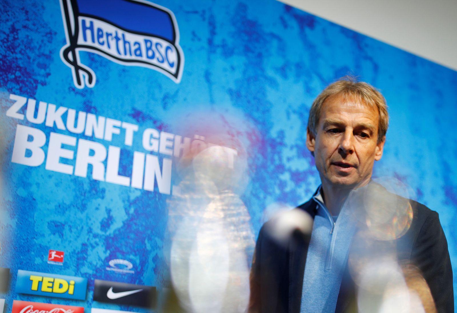 FILE PHOTO: Bundesliga - Hertha Berlin Press Conference