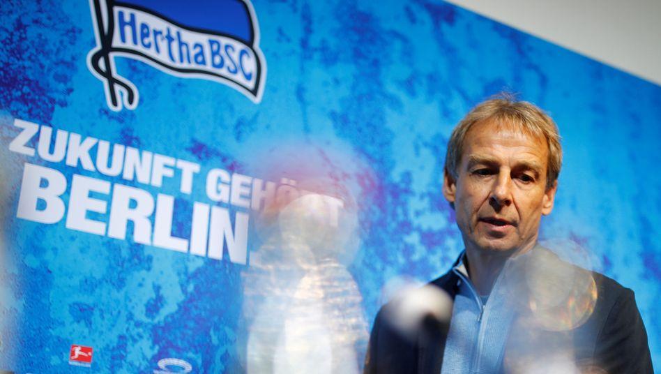 Aufregung über Klinsmann-Protokoll: Kehraus in Berlin