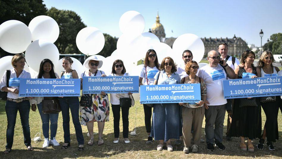 """""""Meine Homöopathie, meine Entscheidung"""": Menschen demonstrieren in Paris für die Homöopathie"""
