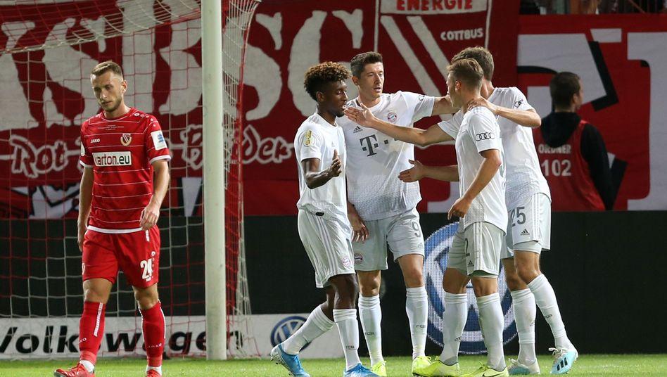 Sieg in Cottbus: Der FC Bayern erreicht die nächste Pokalrunde