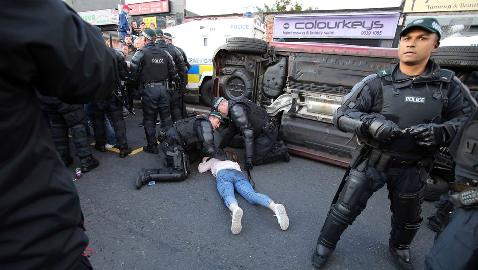 Verletztes Mädchen in Belfast: Jedes Jahr Gewalt
