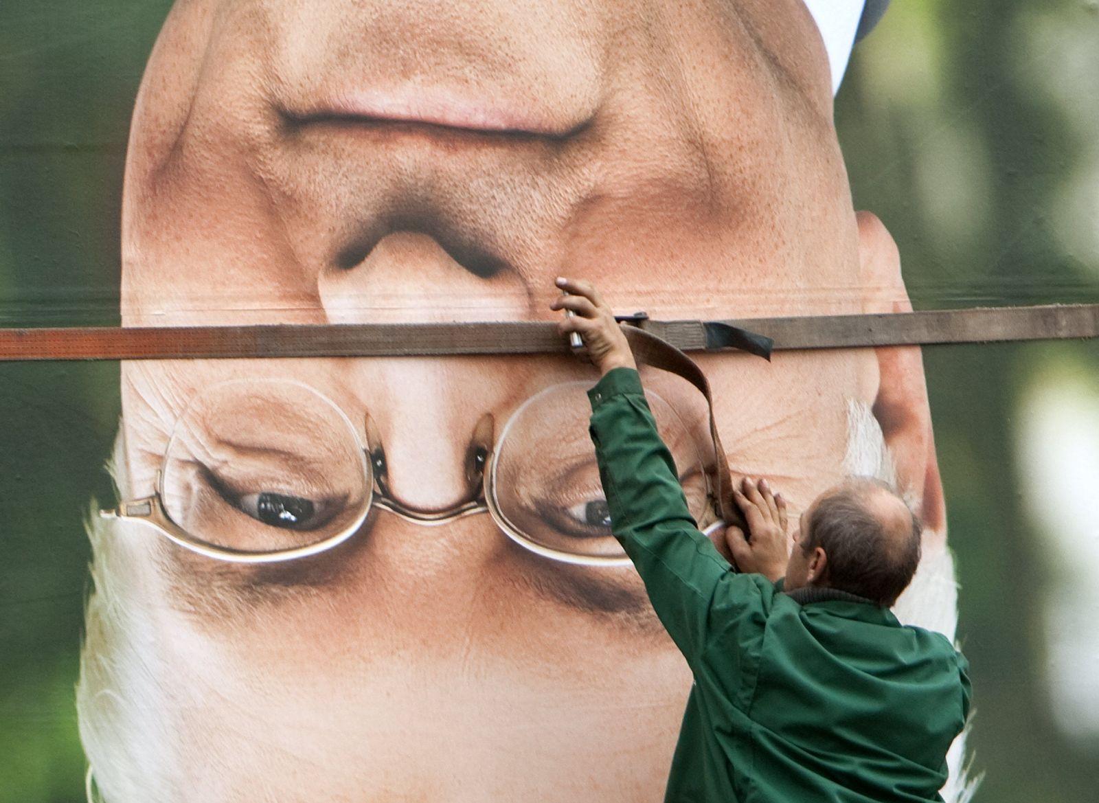 Bundestagswahl - Abbau Wahlplakate