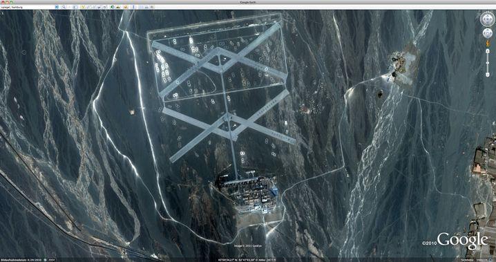 Satellitenaufnahme bei Google Earth: Was hat es mit dem Bildern auf sich?