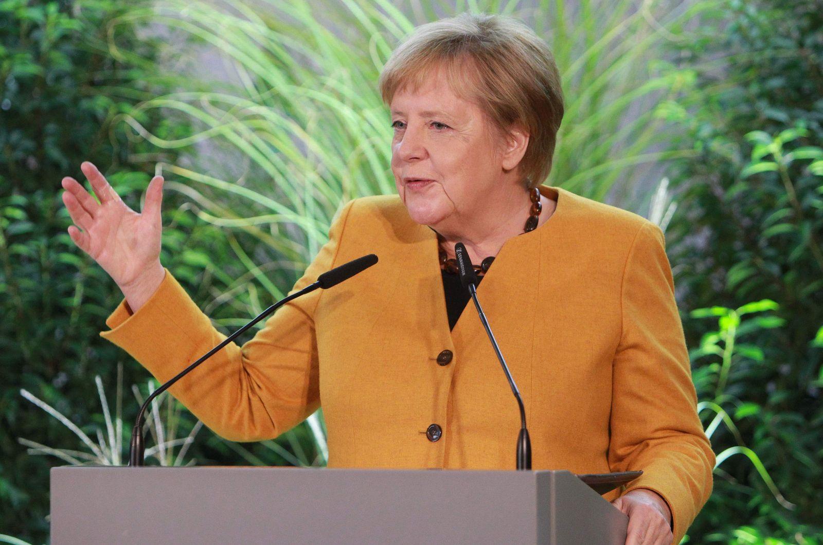 GERMANY-POLITICS-ENVIRONMENT-CLIMATE-MERKEL