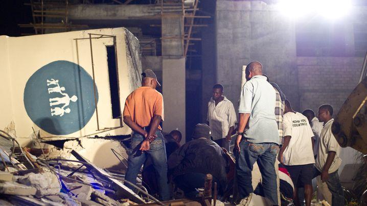 """Erdbeben in Haiti: """"Sie beten, sie weinen"""""""
