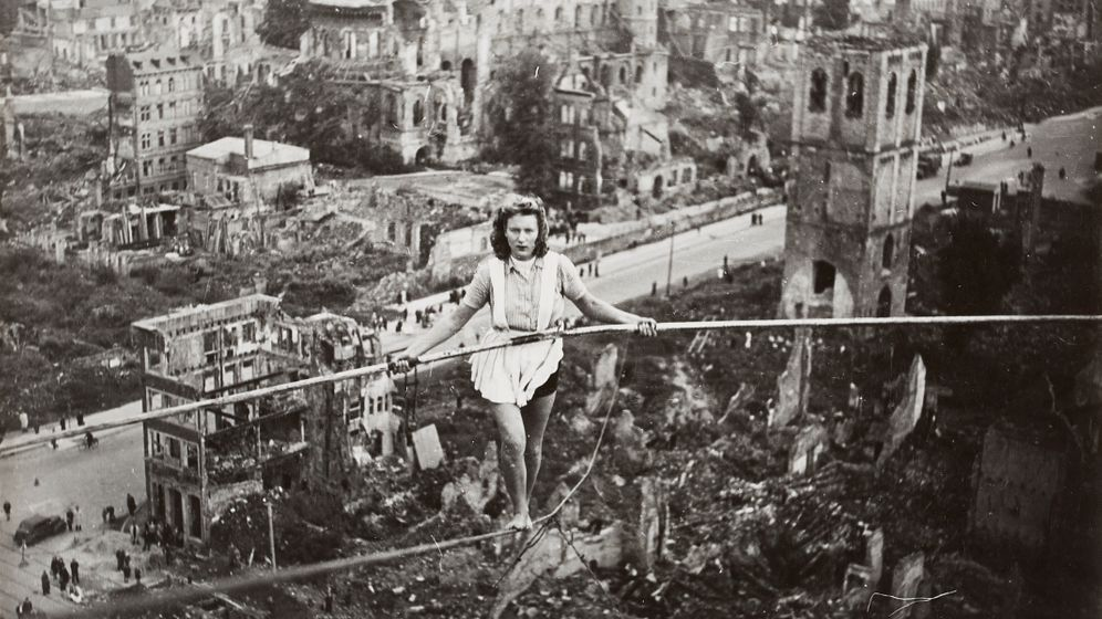 """Bildband """"Wolfszeit"""": Deutschland nach dem Zweiten Weltkrieg"""