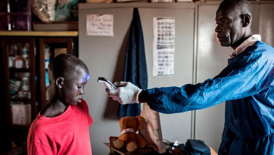 """Kampf gegen die Corona-Pandemie in Dakar, Senegal: """"In manchen Ländern Afrikas sind es bis zu 70.000 Menschen pro Arzt"""""""