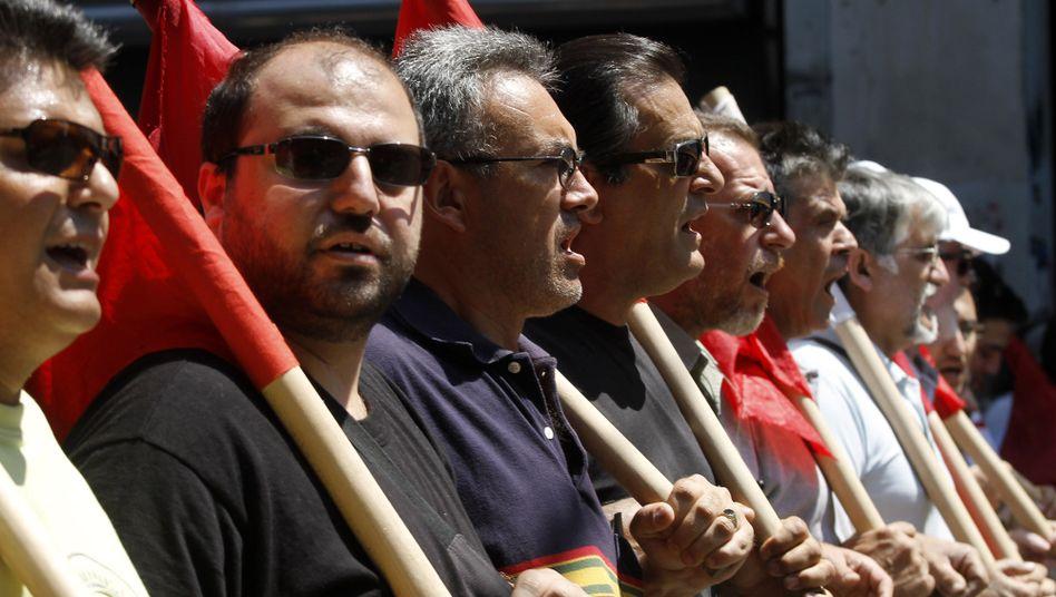"""Anhänger der Kommunisten in Athen: """"Nicht nur Opfer abverlangen"""""""