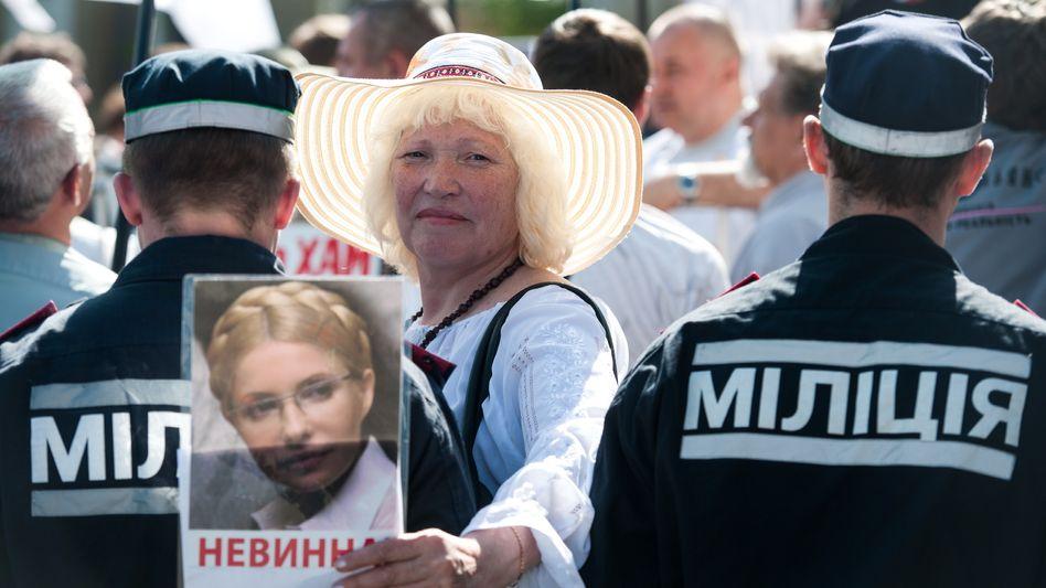 Pro-Timoschenko-Demonstration am Samstag in Charkiw: EM-Gastgeber im Abseits