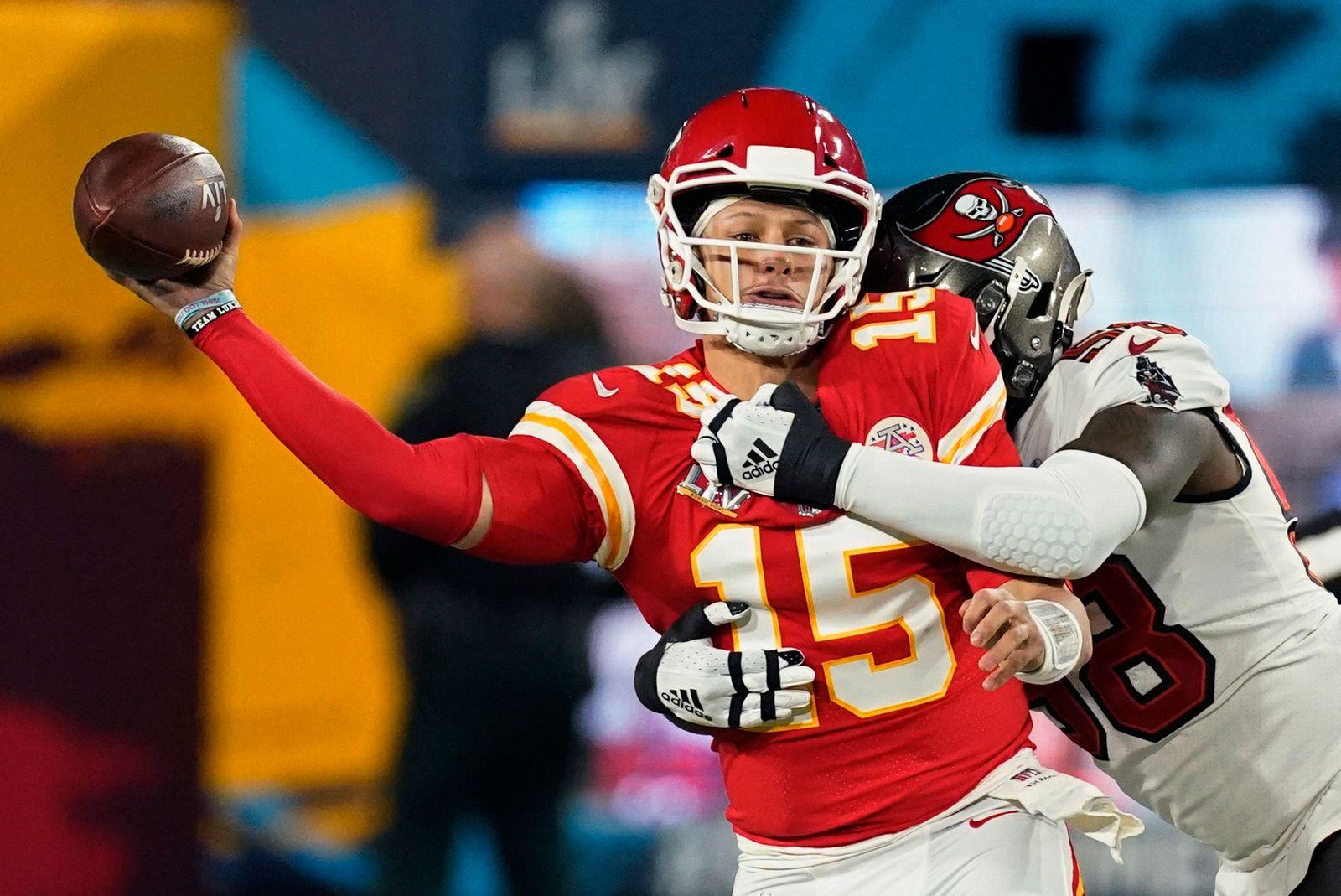 APTOPIX Chiefs Buccaneers Super Bowl Football
