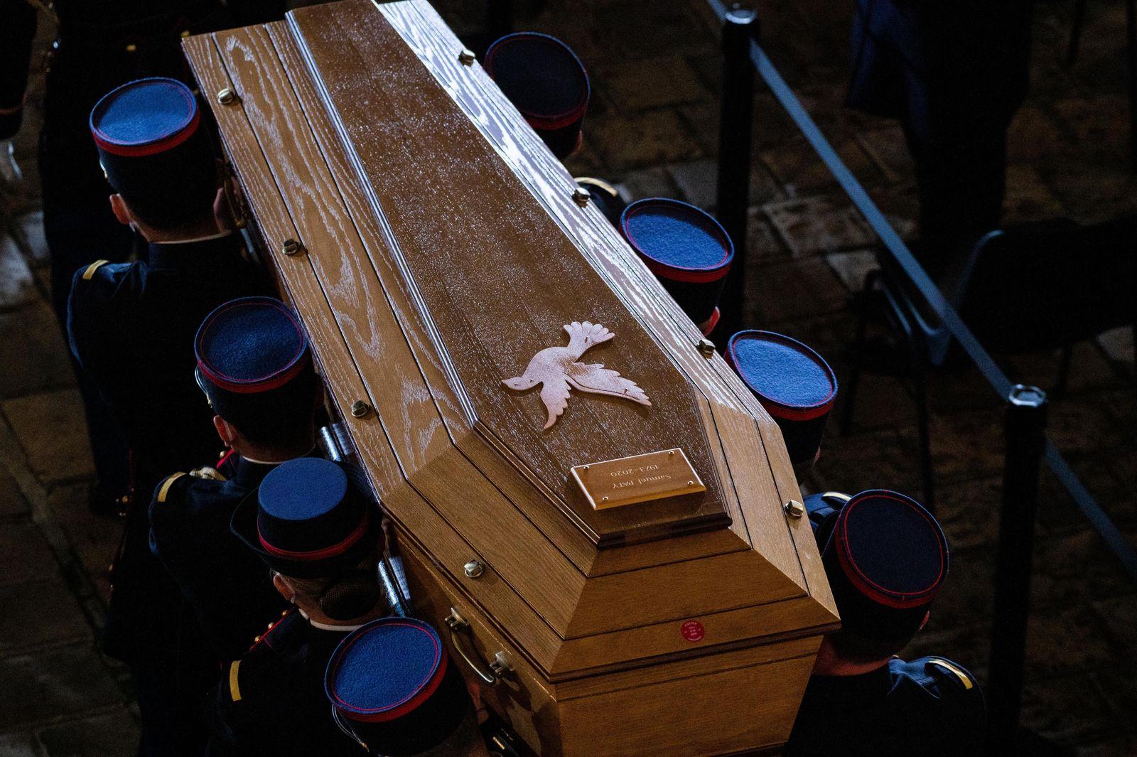 Hommage National a la memoire de Samuel Paty dans la Cour d'Honneur de l'Universite de la Sorbonne