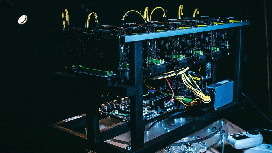 Krypto-Mining-Rechner: Ermittler betrachten Bitcoin-Wallets als »verderbliche Ware«