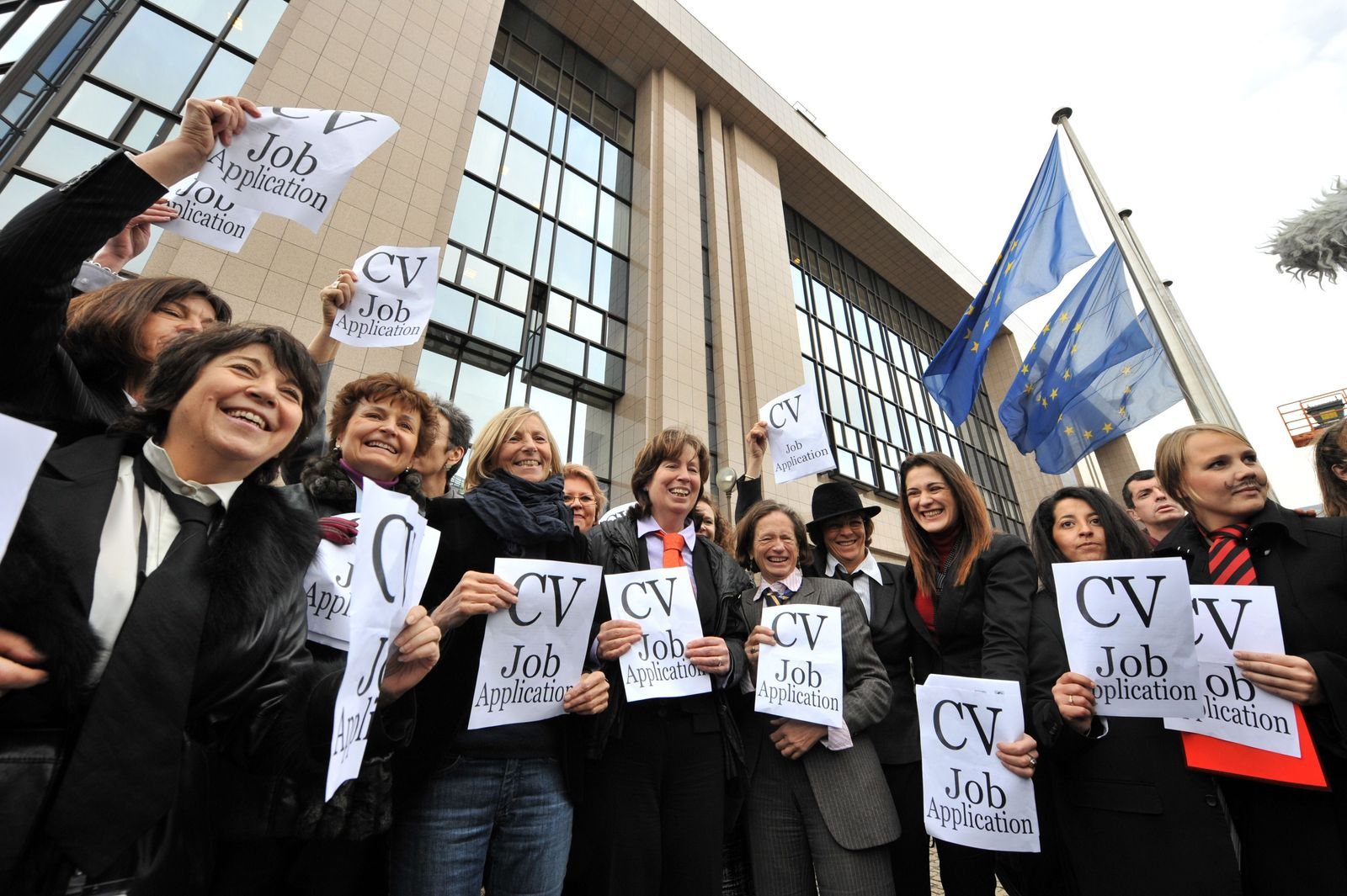 BRUSSELS-EU-WOMEN-DEMO-INSTITUTIONS