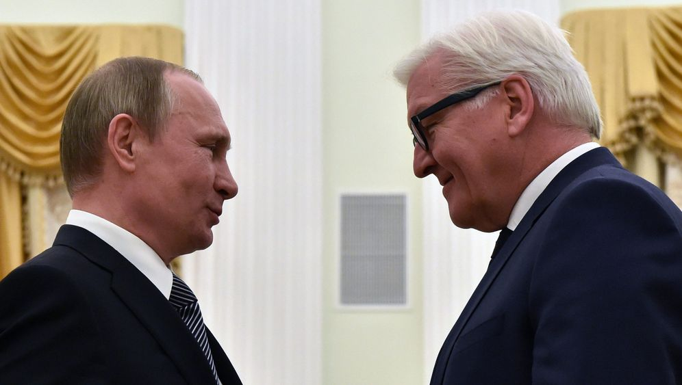 Photo Gallery: Berlin's Russia Conundrum