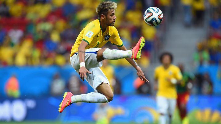 Fotostrecke: Doppelpack für Neymar, erster WM-Treffer von Fred