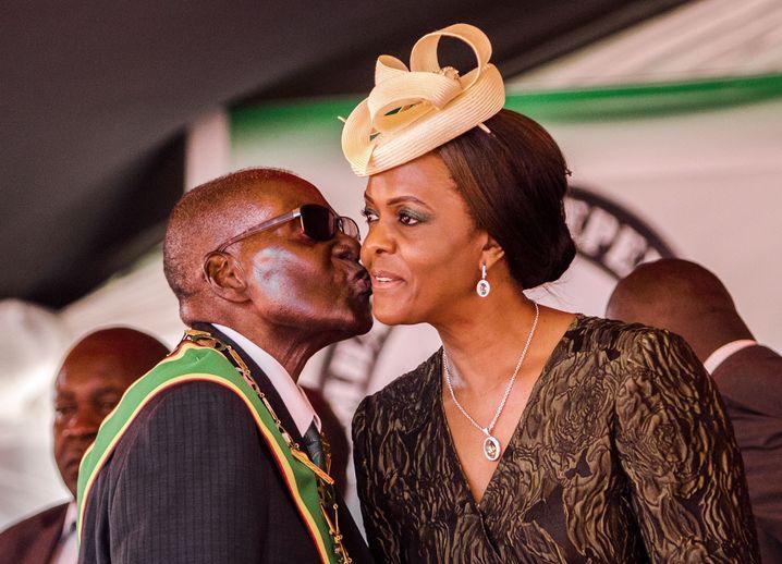 Robert und Grace Mugabe (April 2017)