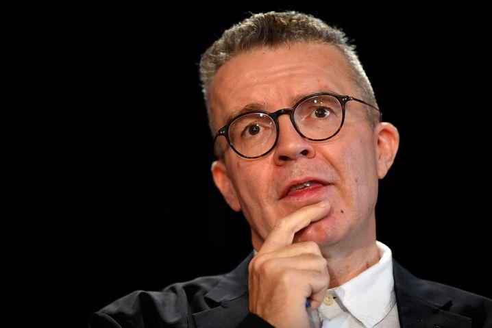 Labour-Vize Tom Watson blickt unentschlossen, ist es aber nicht