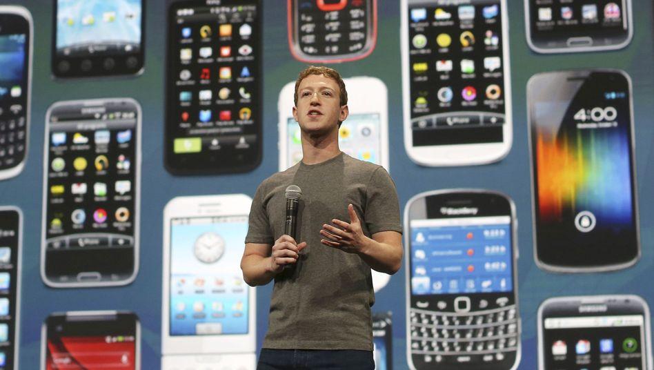 Facebook-Chef Mark Zuckerberg (Archiv): Vor allem mobile Nutzer sorgen für Umsatz