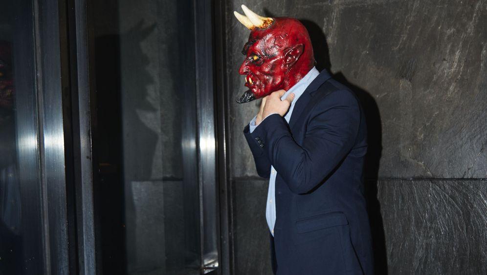 Photo Gallery: Investigating Trump