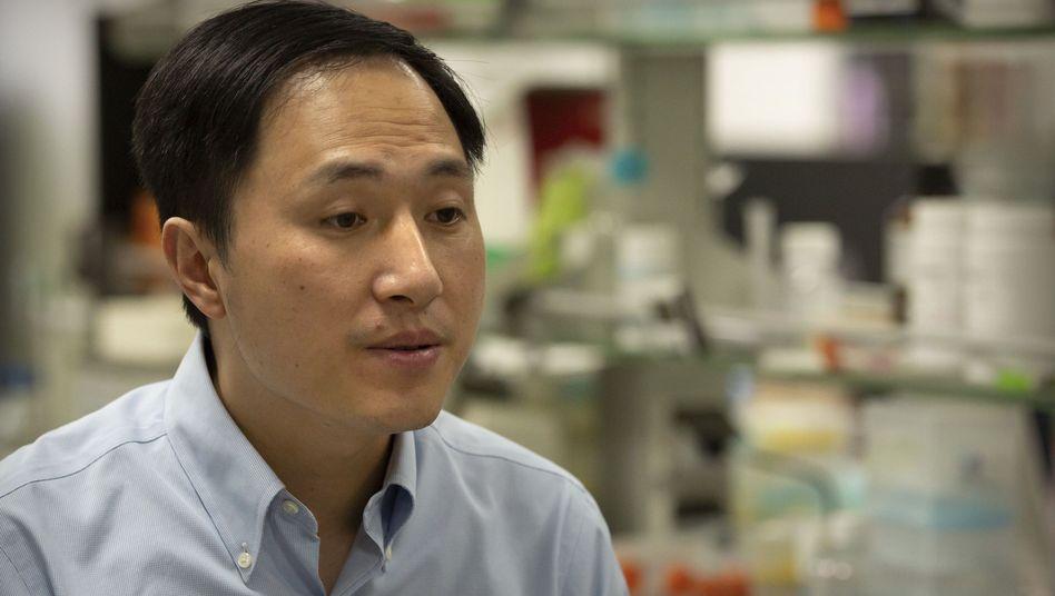 He Jiankui im Oktober 2018: Forscher hätten nicht über die Voraussetzungen verfügt, um als Ärzte zu arbeiten