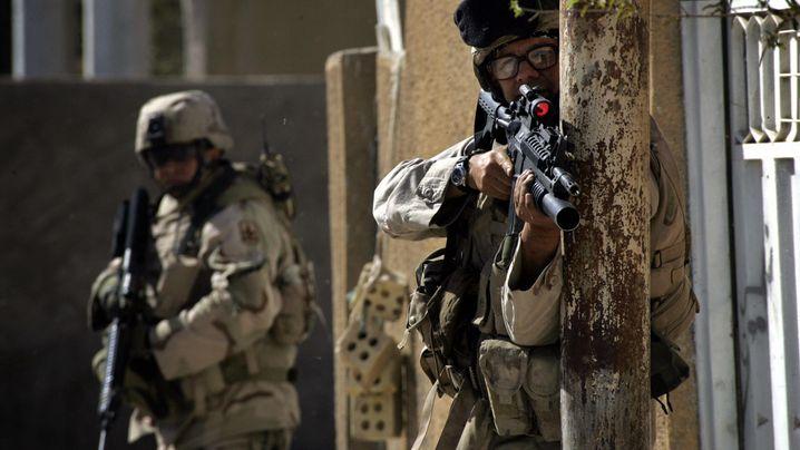 Fotostrecke: US-Soldaten jagen IS-Anführer