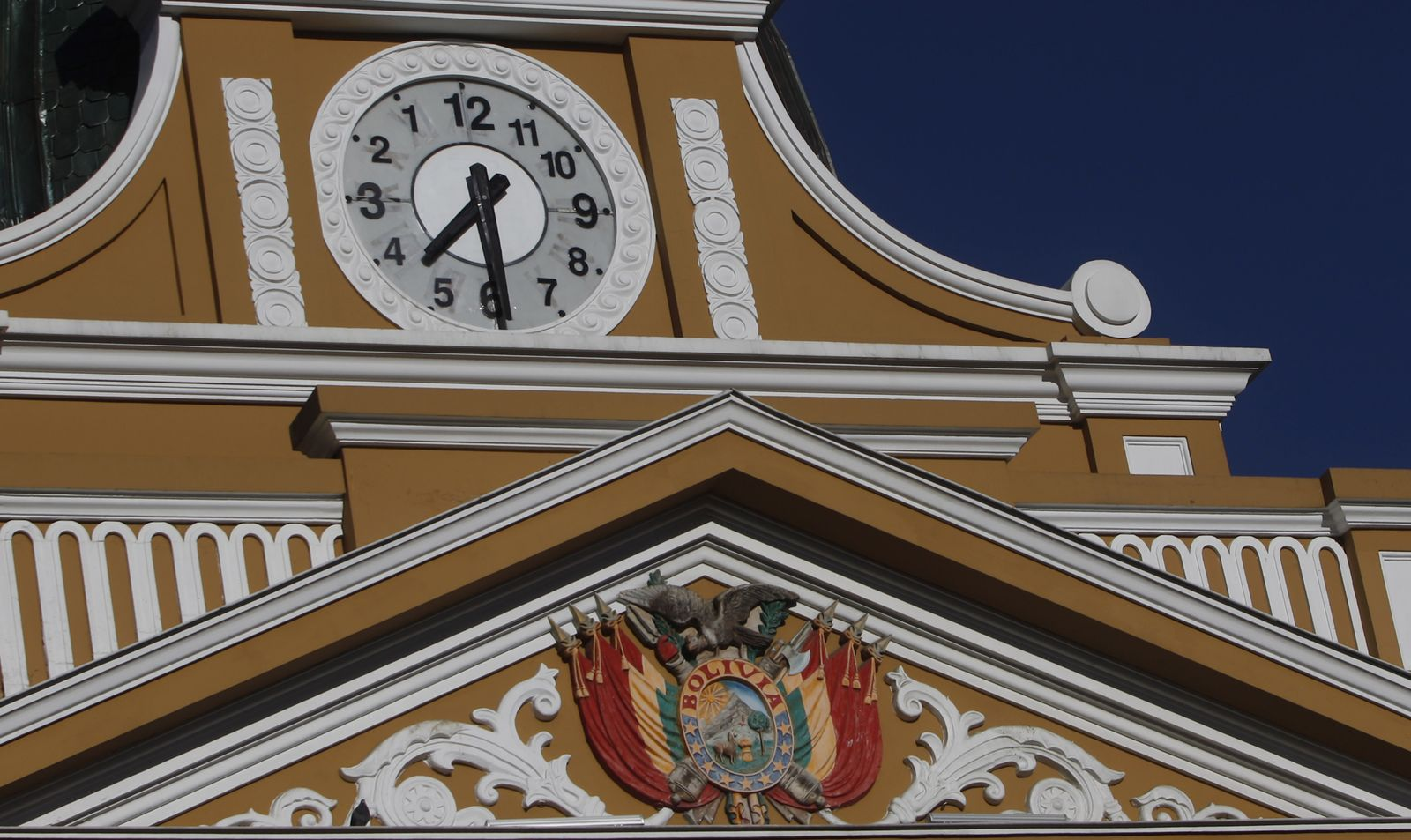 Bolivien/ Uhr