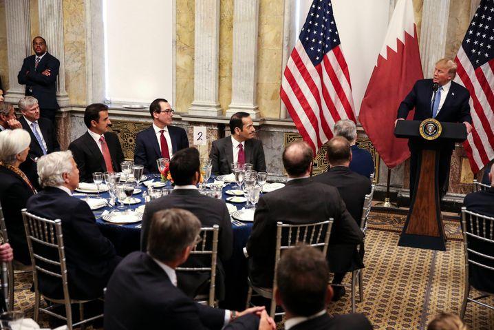 Essen mit den Mächtigen - und einer Tischrede von Donald Trump: Katars Emir al-Thani zu Gast in Washington