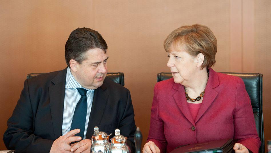 Politiker Merkel, Gabriel: Wenig Begeisterung in deutschen Führungsetagen