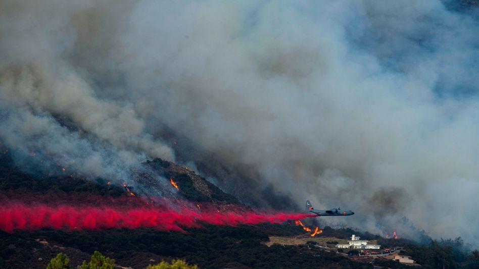 "Löschflugzeug im Bezirk San Bernardino: Die ""Gender Reveal Party"" fand nahe Oak Glen statt"