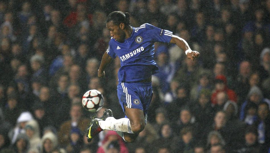 Fußballstar Drogba (2009 im Trikot des FC Chelsea)