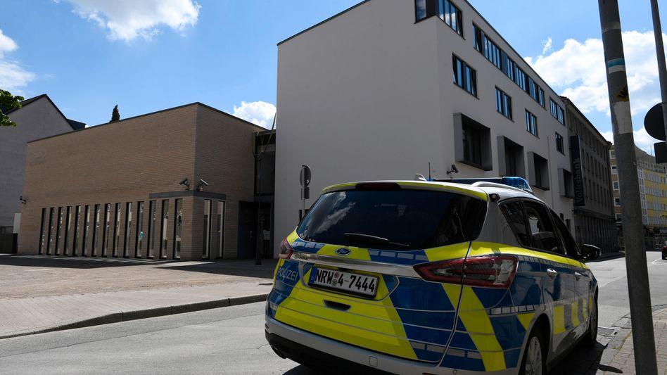 Polizei vor Synagoge in Gelsenkirchen
